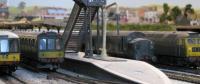 Green diesels at Upton station.  [005-11.jpg uploaded 24 Jul 2009]