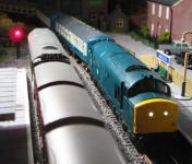 A Vi Trains Class 37 runs through Middleton  [2nvr009.jpg uploaded 24 Jul 2009]
