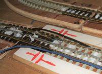 Glued down centre rail  [3rail_02.jpg uploaded 22 Nov 2019]