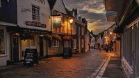 [sun_inn_faversham_-_exterior.jpg uploaded 24 Oct 2018]