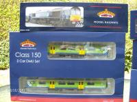 Class 150 And Class 66 which has wrong pic on the box!   [HPIM0228.JPG uploaded 3 Sep 2010]