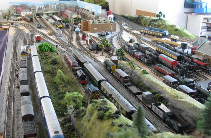 00 gauge railway layouts for sale